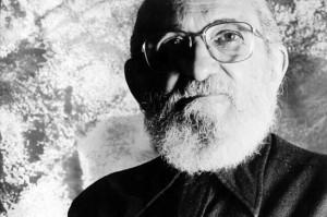 paulo freire 300x199 - Questões sobre Paulo Freire